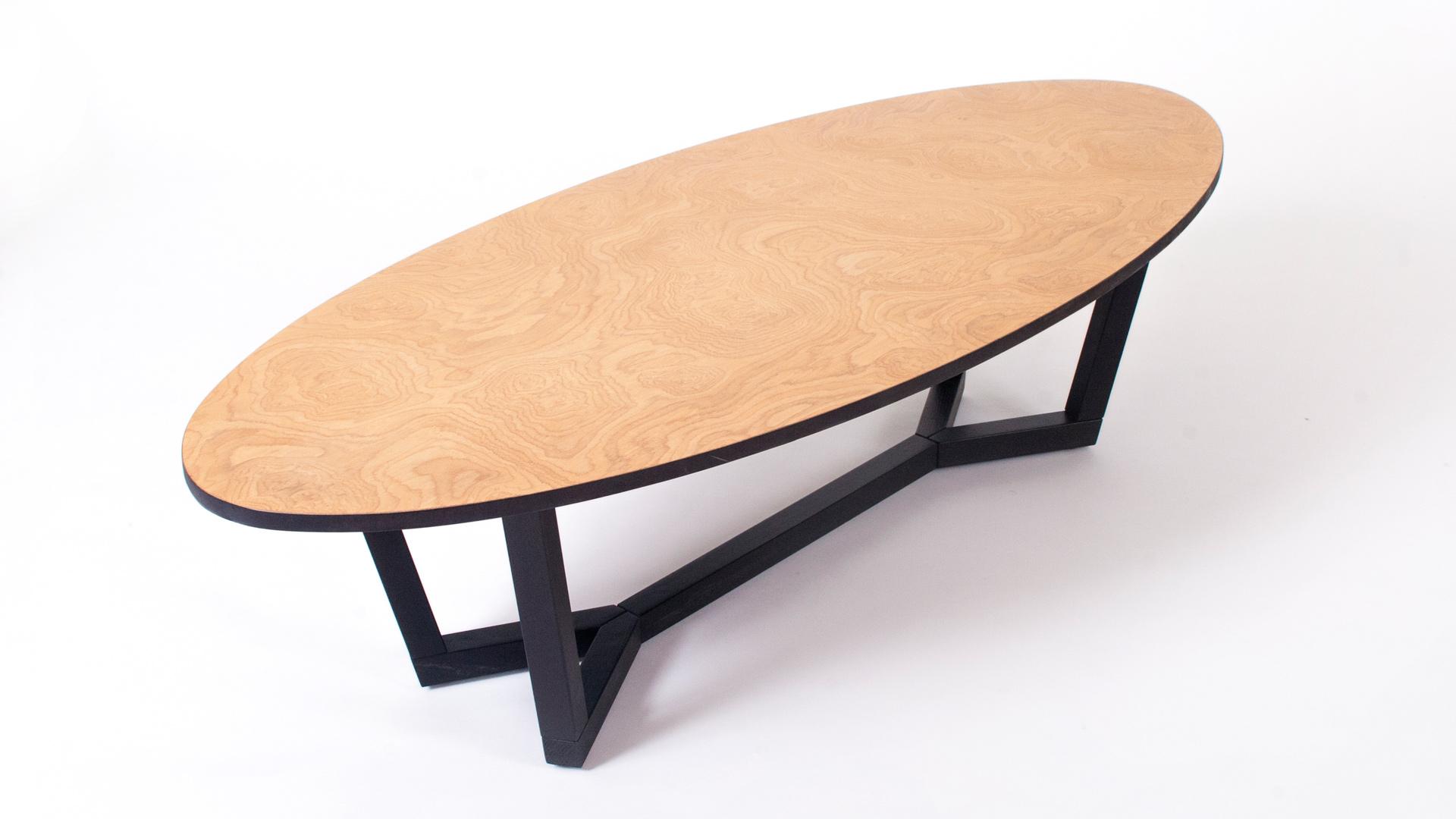 שולחן שורש